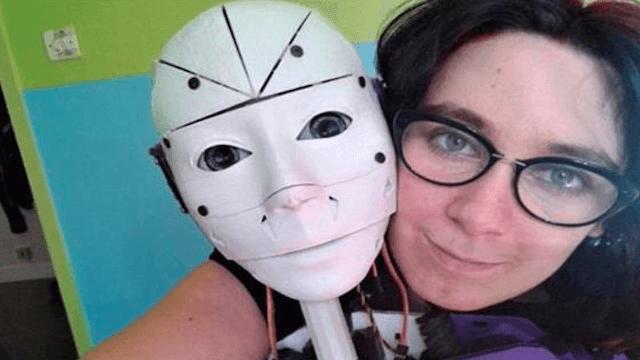 'Proud robosexual' built her own fiancé.