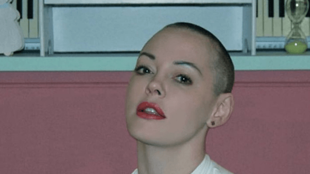 Rose McGowan had some words for the film critic who reviewed Renée Zellweger's face.