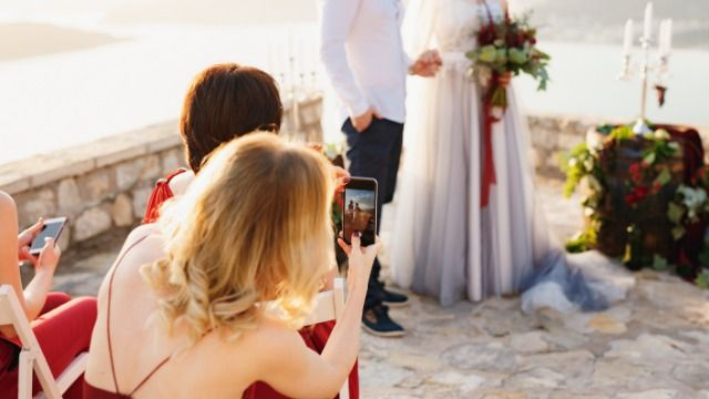 18 people who've been to a ruined wedding share what went wrong.