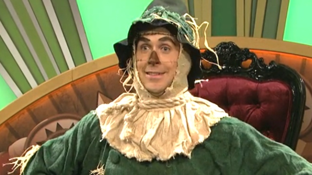 All scarecrows matter on SNL as Ryan Gosling gets lost in Oz and ends up on 'The Wiz Live.'