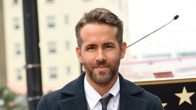 Ryan Reynolds just hilariously trolled Mark Wahlberg's ridiculous workout routine.