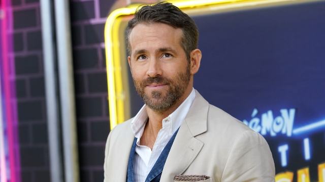 22 of Ryan Reynolds' funniest tweets about being a dad.