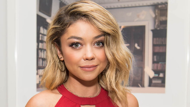 Sarah Hyland slams body-shamers who told her to 'eat some bread.'
