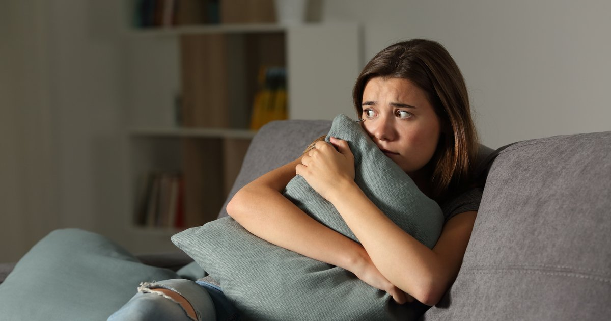 10 people share stories of scary things that happened to them at someone else's house.