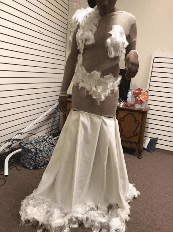 Pissed Off Mom Blasts Her Daughter S Prom Dress Designer