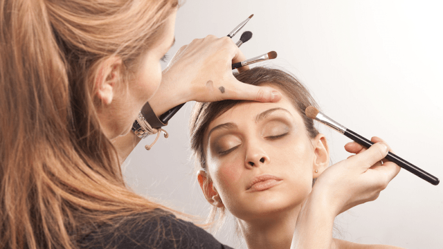Sephora is offering an amazing free service to cancer patients.