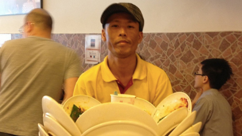 11 waiters and waitresses who seriously deserve bigger tips.