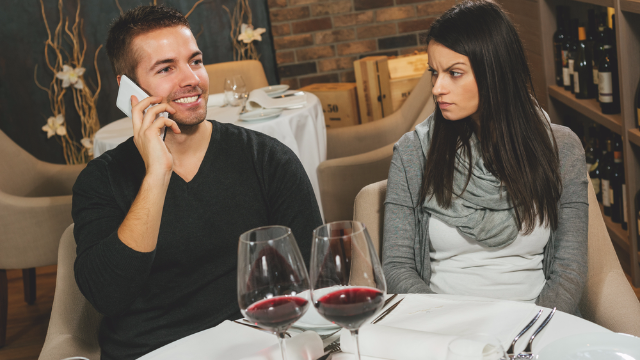 11 servers dish on the worst first date they've witnessed.
