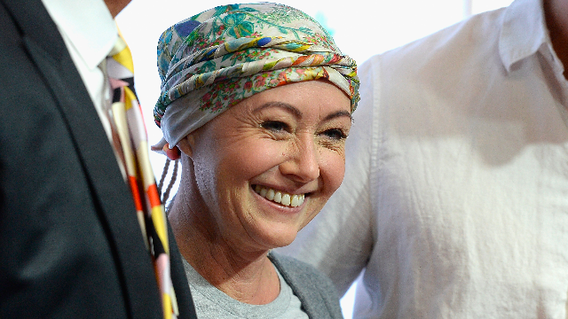 Shannon Doherty got her first post-chemotherapy haircut.