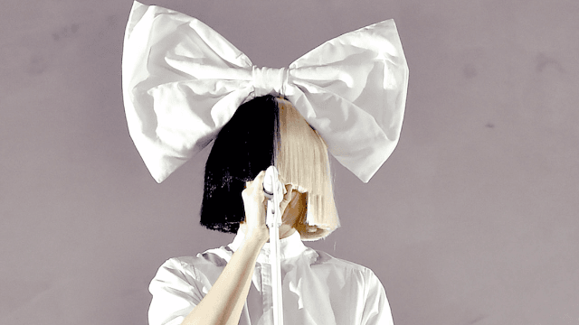 Sia posts naked picture of herself before paparazzo creep can sell it. QUEEN.