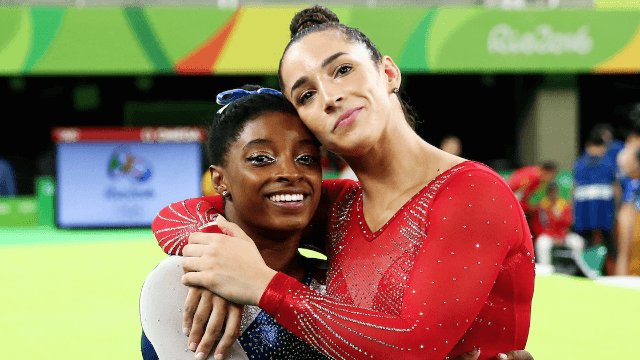 The funniest and sweetest reactions to Simone Biles and Aly Raisman being adorable.