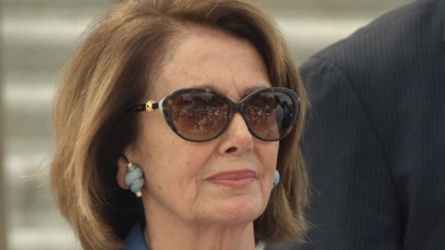 'SNL' hilariously honors Nancy 'Madame Clap Back' Pelosi in iconic sketch.
