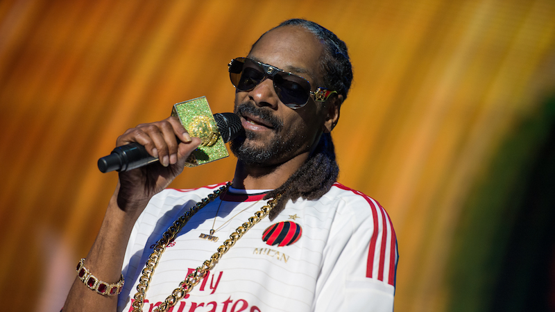 Snoop Dogg posts video rant about why he's boycotting the new 'Roots' series.