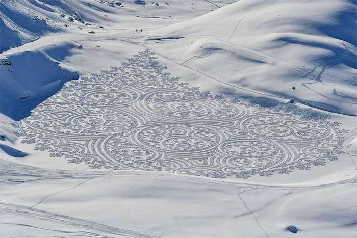 Snowshoe artist has more talent in his pinky toe than you do in your entire body.