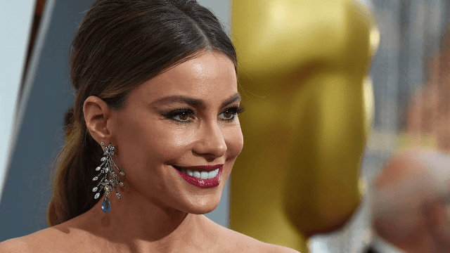Sofia Vergara just got bangs and looks totally different.