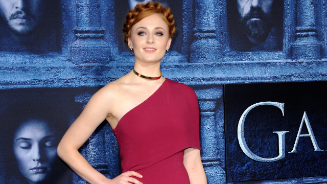 Sophie Turner's new bangs are going over much better than the 'Game of Thrones' finale.