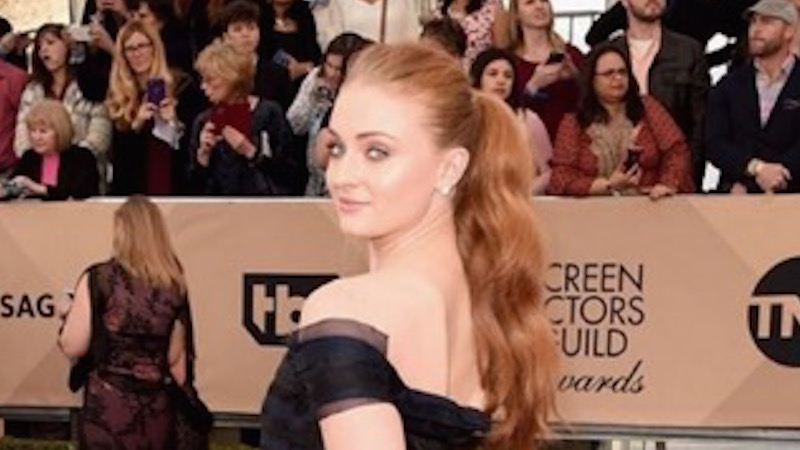 'Game of Thrones' star Sophie Turner forgets she's a celebrity, freaks out in selfie with Ryan Gosling.