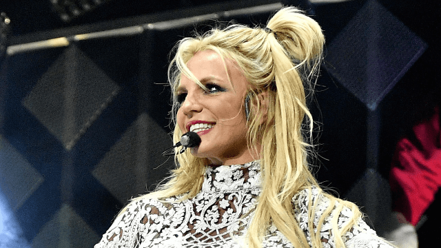 Britney fan trolls Southwest Airlines, discovers they're hipper than she thought.
