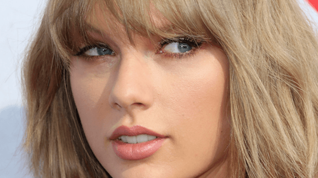 Taylor Swift got a bangin' new haircut and now everyone forgot about the presidential debate.