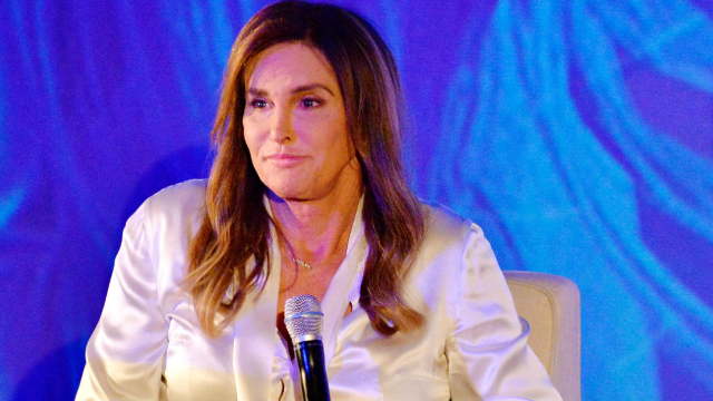 Texas restaurant receives backlash after using Caitlyn Jenner transition photos to label bathrooms. Yikes.
