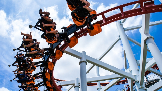 20 people who have worked in theme parks share their horror stories.