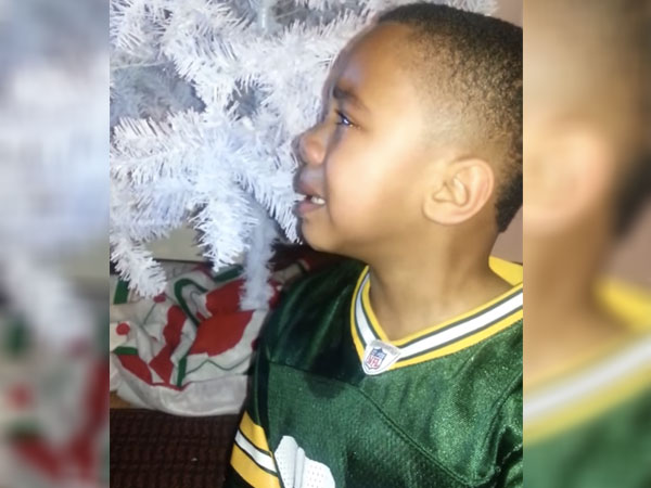 This 6-year-old Packers fan could not keep it together during the Seahawks' bike-riding celebration yesterday.