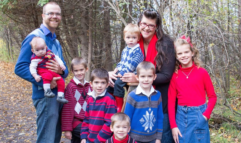 This anti-vax mom changed her tune after her 7 kids all got whooping cough at once.
