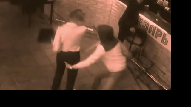 This douchebag customer chose the wrong waitress to sexually harass.