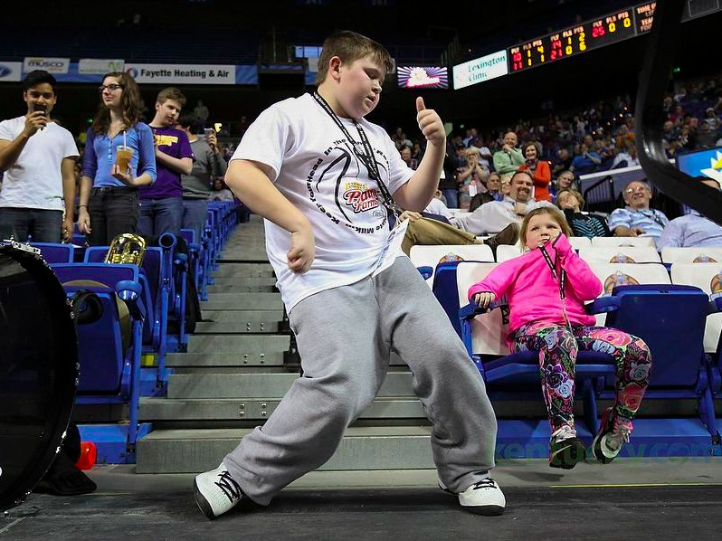 This kid dancing at a basketball game has taken the Internet by storm.