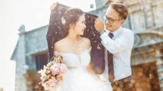 Wedding photographer reveals what 'really happens behind the lens.' It's disgusting.