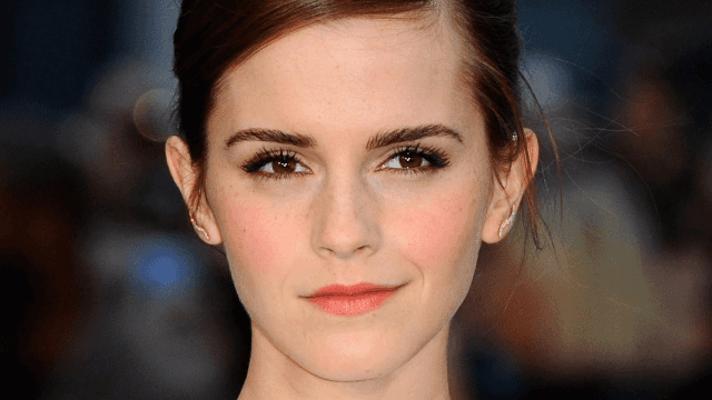 This woman looks so much like Emma Watson she must be a wizard.