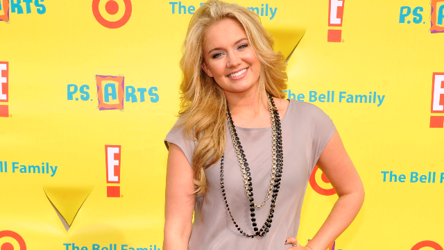Tiffany Thornton Is Engaged, And Her Instagram Followers Couldn't Be Happier