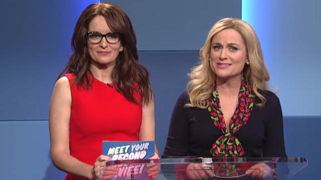 Amy Poehler & Tina Fey introduce men to their future second wives on 'SNL.' Ew.