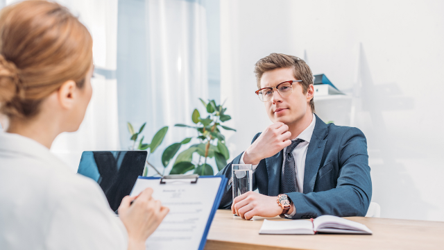 18 HR managers share the most common mistakes people make during job interviews.