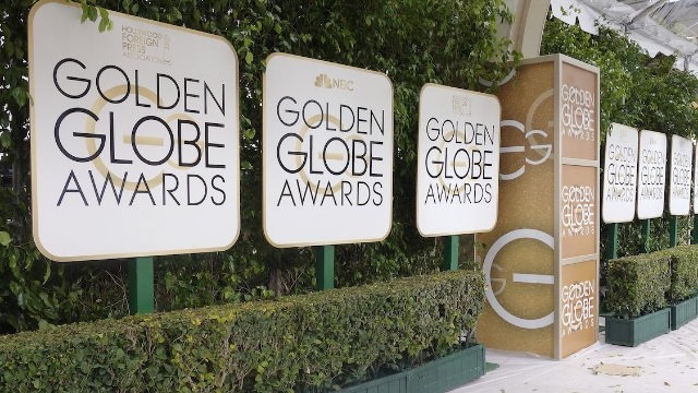 11 of the most awkward moments at the 2020 Golden Globes.