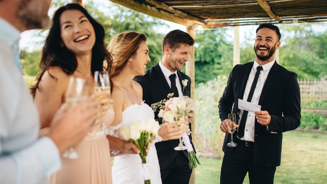 20 people share the funniest wedding speeches they have ever heard.