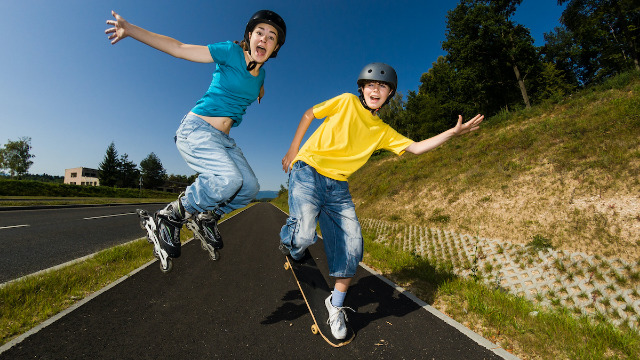 23 people share the most dangerous unsupervised activities they participated in as kids.