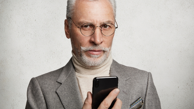 21 people share the most embarrassing thing they've accidentally shown someone on their phone.