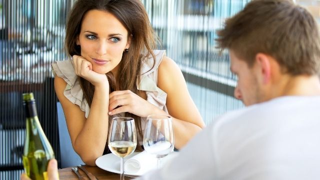 17 people share the worst thing someone ever did on a first date with them.