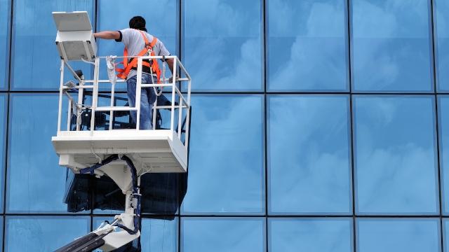 20 people who clean skyscrapers share the weirdest things they've seen through the windows.