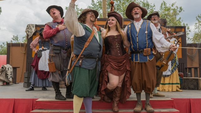 15 people who go to renaissance fairs share their craziest stories.