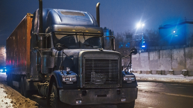 20 truck drivers share the scariest things that happened while spending the night at a truck stop.