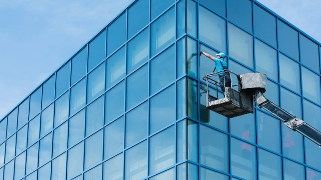 15 window cleaners share the weirdest things they've seen through people's windows.