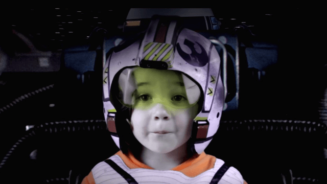 Dad uses SFX mojo to put his adorable toddler into 'Star Wars.'