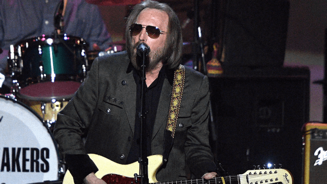 Watch Tom Petty's amazing final performance a week before his death.