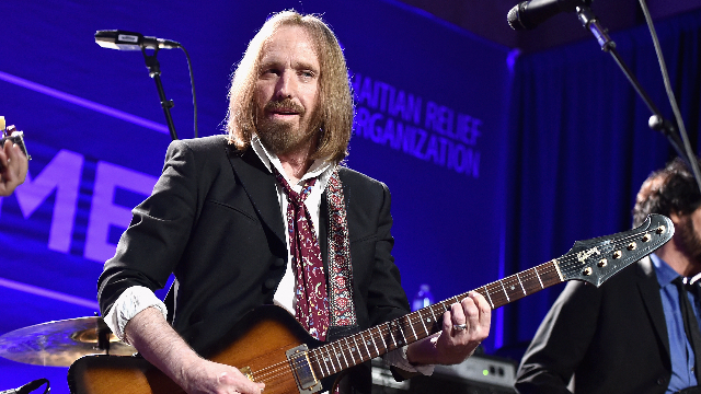Tom Petty is reportedly 'clinging to life' and everyone is devastated. (UPDATE)