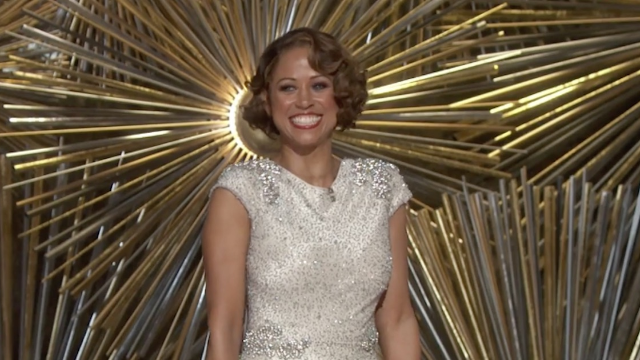 The best Twitter reactions to Stacey Dash's awkward cameo at the Oscars.