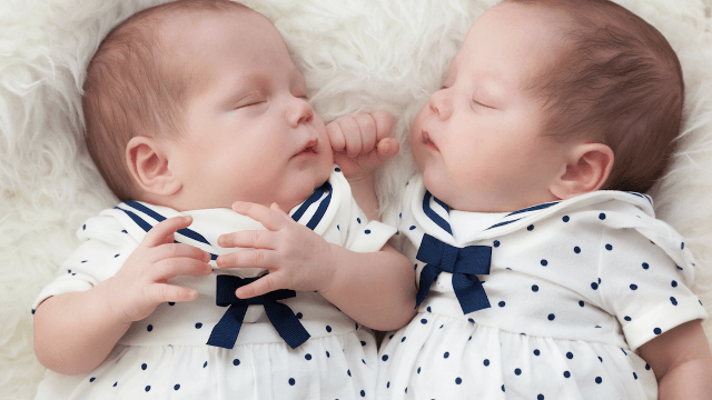 This mom's clever costumes for her sleeping twins are perfect for baby Halloween.
