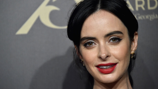 Twitter is freaking out over the season 2 trailer for Jessica Jones, and now you can too.