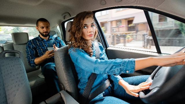 15 Uber drivers share their wildest passenger stories.